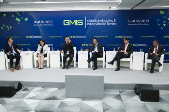 Китай планирует переориентироваться на азиатский рынок