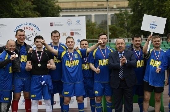 Жириновский хотел бы видеть Газзаева в команде ЛДПР