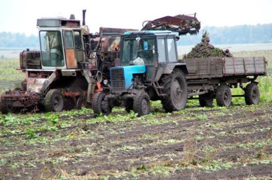 Минсельхоз: до российских аграриев довели более половины федеральных субсидий