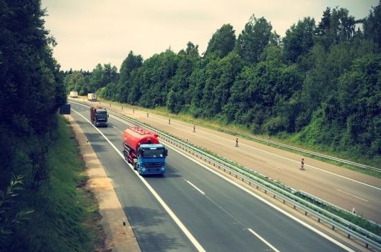 В Туле сотрудники ГИБДД начали проверку грузового транспорта