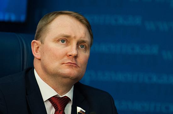 В Госдуме осудили заявление украинского генерала о создании способных «достать Москву» ракет