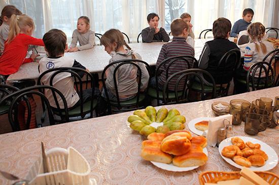 Еда в детсадах и школах будет качественной и здоровой