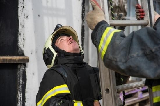 В Ачинске проводят эвакуацию вокруг пожара на артиллерийском складе
