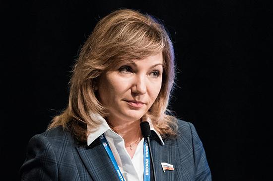 Депутат прокомментировала увеличение расходов на товары для школьников