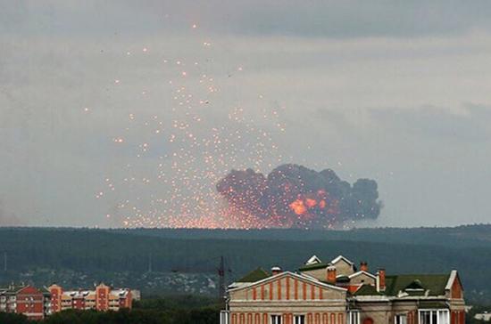 Уцелевшие после пожара под Ачинском снаряды перевезут на другие склады