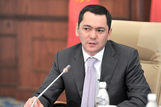 В Киргизию вернулся главный соперник нынешнего президента на прошлых выборах