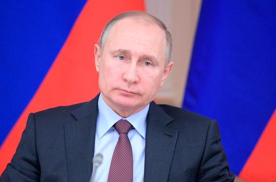 Президент отметил роль строителей в улучшении качества жизни россиян
