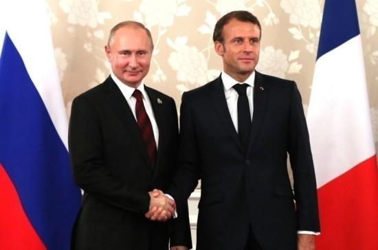 Путин обсудит с Макроном Украину и работу в нормандском формате