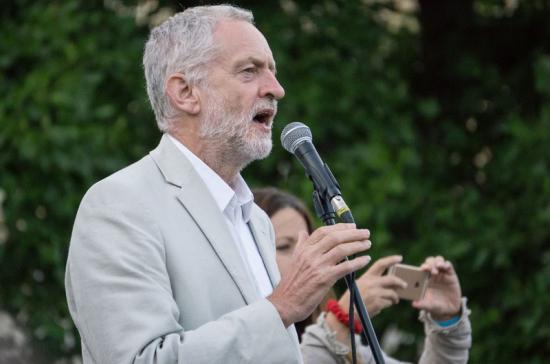Лидер британских лейбористов предложил всем противникам Brexit сделать его премьером