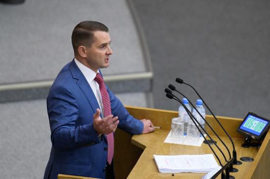 Ярослав Нилов прокомментировал предложение Минтруда повысить МРОТ