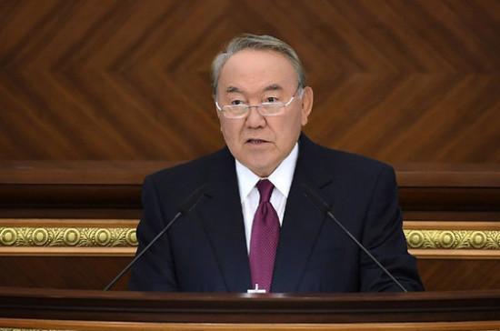 Назарбаев призвал активизировать работу правящей партии в Казахстане