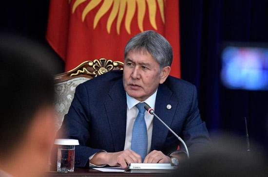 Военная прокуратура обвинила Атамбаева в коррупционном сговоре с экс-мэром Бишкека