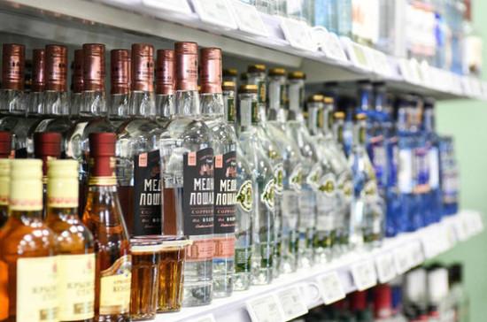 Тумусов поддержал повышение возраста продажи крепкого алкоголя