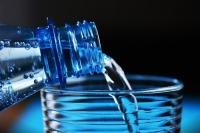 Майоров предложил активизировать выработку мер противодействия обороту контрафактной минеральной воды