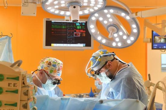 Власти Свердловской области рассказали о зарплатах врачей в регионе