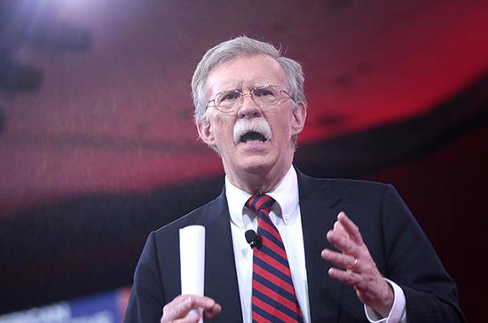 Болтон обвинил Китай в краже технологий американского истребителя F-35