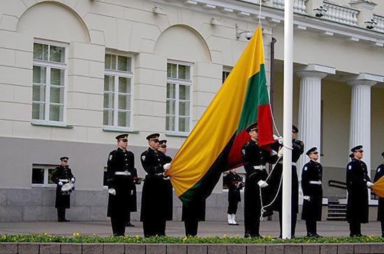 В Литве предложили снизить призывной возраст