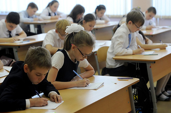 В России до конца года построят 100 новых школ