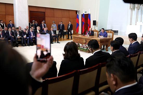 Отношения Москвы и Улан-Батора вышли на новый уровень, заявил президент Монголии