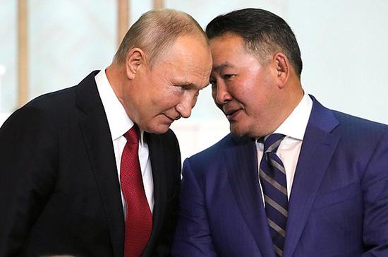 Президент Монголии принял приглашение Путина посетить торжества в честь юбилея Победы