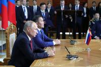 Россия готова участвовать в развитии сети железных дорог в Монголии, заявил Путин