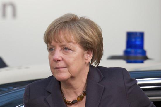 Меркель приветствовала обмен между Россией и Украиной