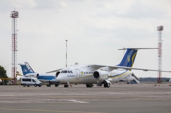 На Украину в рамках обмена прилетели Сенцов, Гриб и моряки