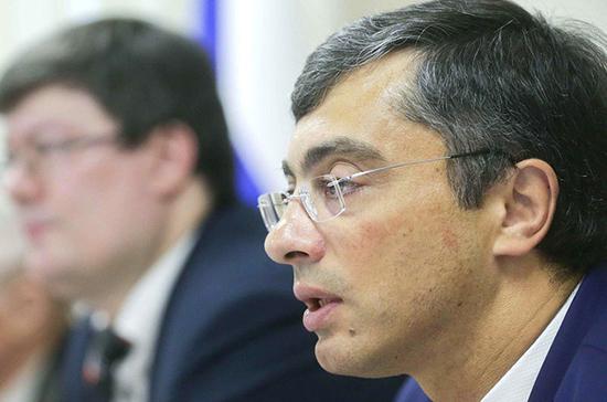 Гутенёв призвал не разрешать продажу пива на стадионах ради сиюминутных выгод