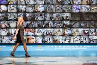 Google и Facebook могли не давать политическую рекламу во время выборов, считает Жаров