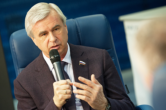 Лысаков объяснил опасения крупнейших агрегаторов такси