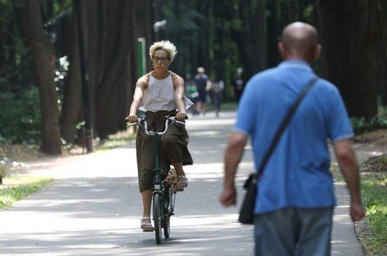 Климатологи прогнозируют в Москве теплую осень и задержку начала зимы