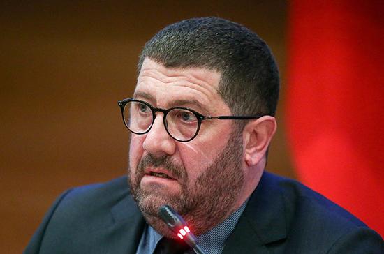 Менделевич: борьба с курением должна проводиться по нескольким направлениям
