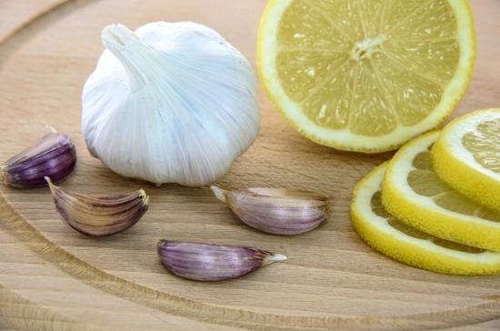 Медики назвали продукты, помогающие очистить печень от токсинов