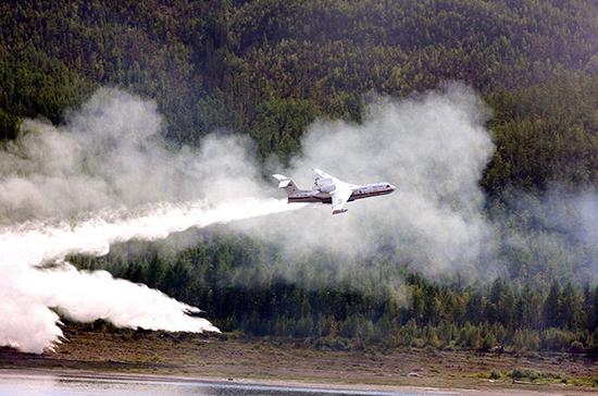 Бурматов поднял вопрос о принятии решений о тушении пожаров на федеральном уровне