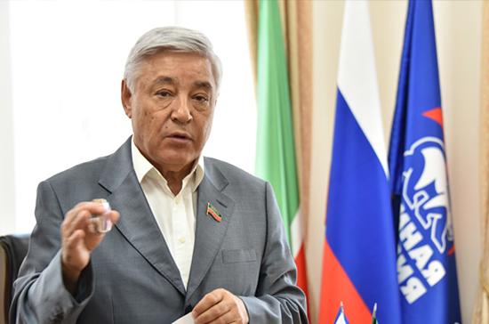 Фарид Мухаметшин возглавил медиарейтинг глав заксобраний субъектов России