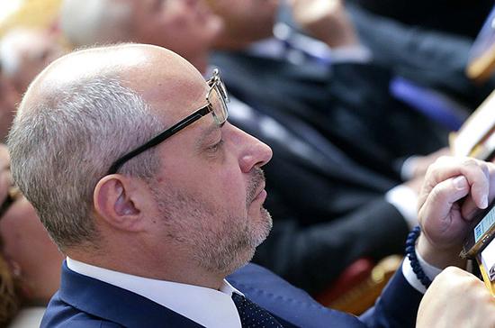 Гаврилов назвал условия для возвращения беженцев в Сирию