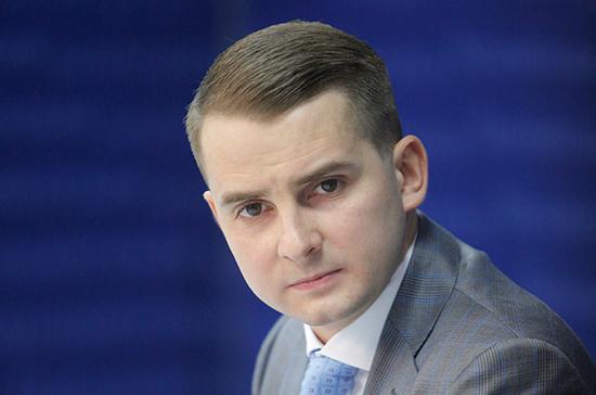 Ярослав Нилов: налоги самозанятых должны идти в пенсионную систему, а не в систему ОМС