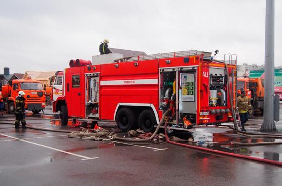 В Грозном загорелся крупный торговый центр