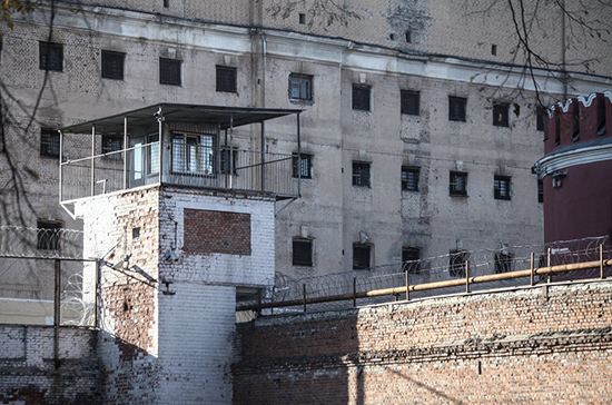 В Госдуму внесли проект о праве аренды производственных зданий колоний без торгов