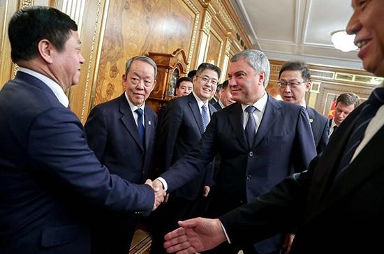 Россия и Китай будут вместе противостоять вмешательству Запада во внутренние дела государств