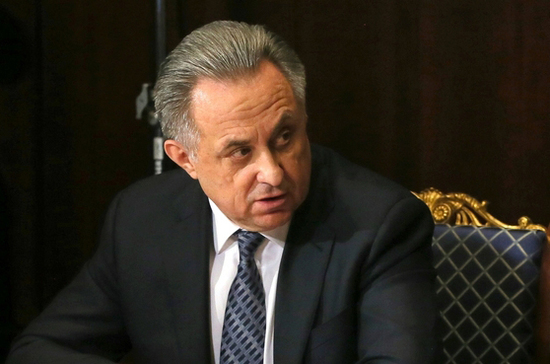 Около 100 обратившихся к Путину жителей Тулуна получили помощь, сообщил Мутко