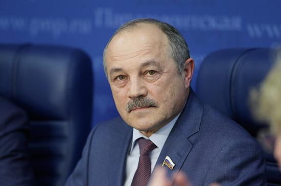 Говорин оценил решение ввозить в Россию наркотические лекарства в исключительных случаях