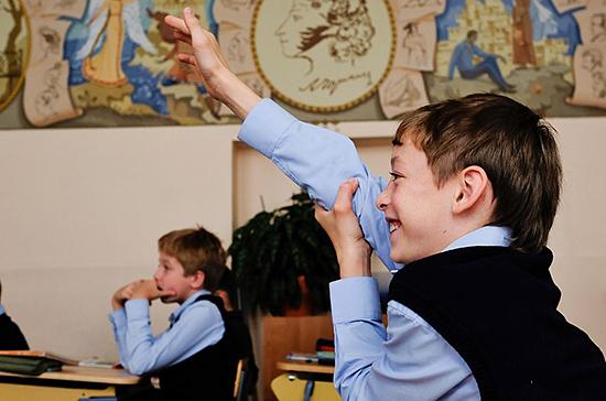 Варианты для устранения третьей смены в школах представят до конца года