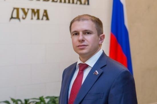 Романов поблагодарил педагогов за верность профессии