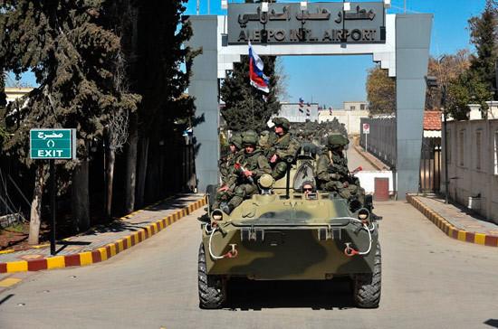 СМИ: Россия направила гуманитарную помощь жителям сирийской Хамы