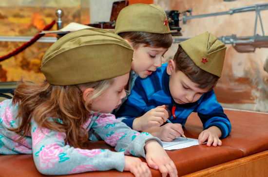 Петербургские депутаты хотят запретить запирать детей на квестах