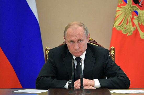 Путин призвал вновь избранных губернаторов чутко относиться к людям