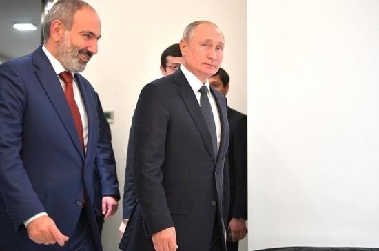Путин и Пашинян обсудили по телефону вопросы в развитие тем саммита в Ашхабаде