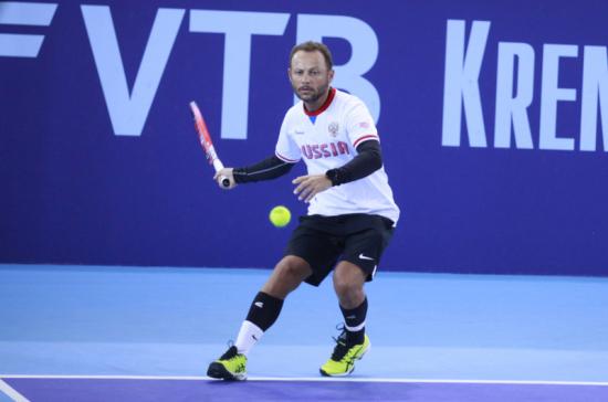 Депутат Госдумы победил в предварительном этапе турнира по теннису на Х Парламентских играх