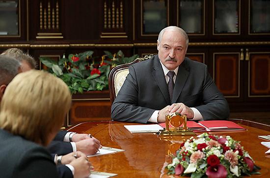 Лукашенко поручил проработать ответ на размещение в Литве танков США